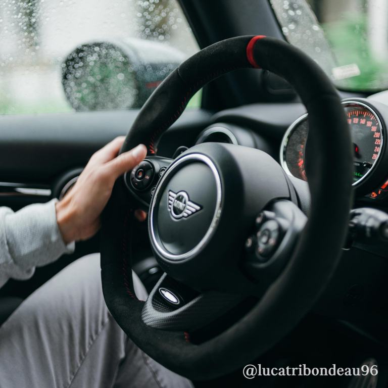 MINI John Cooper Works – volante – carbono